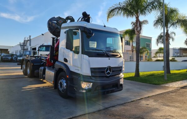 Mercedes-Benz Scarrabile 6×2*4